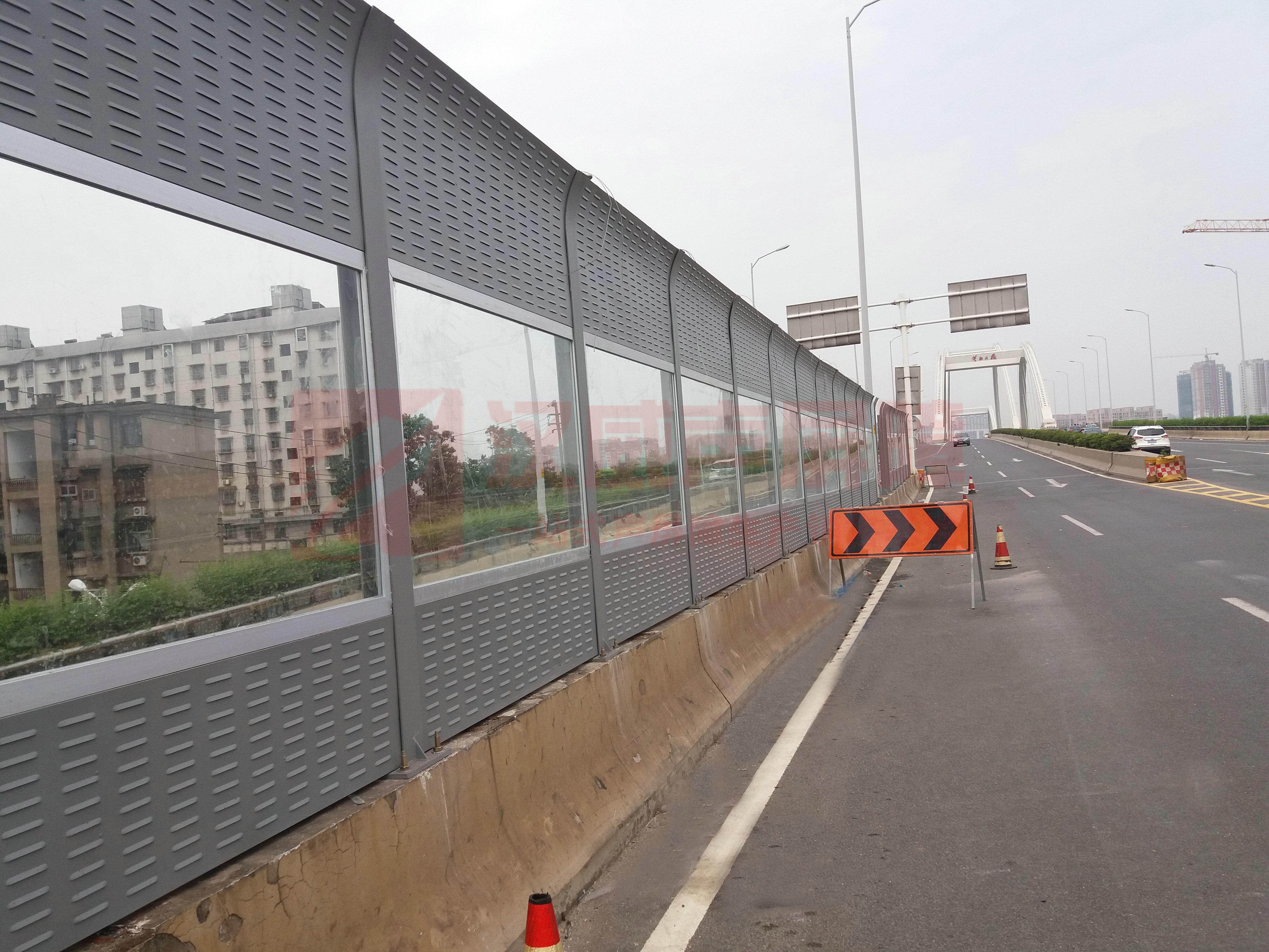 繞城高速弧形聲屏障