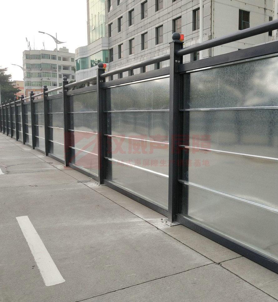 江蘇鎮江公路折板型聲屏障
