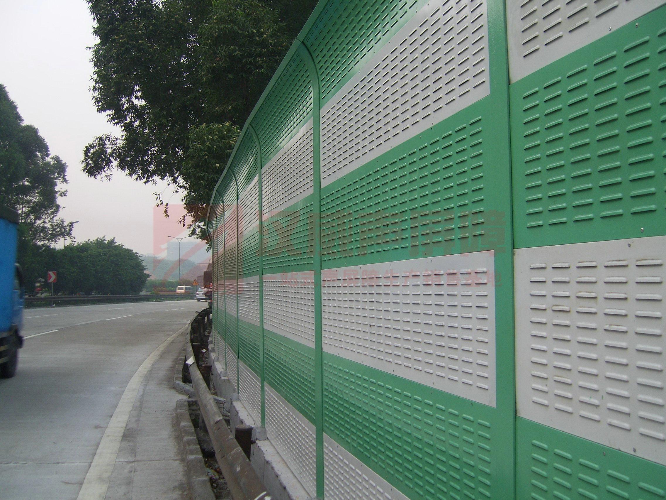 河南鶴壁繞城高速波浪形聲屏障