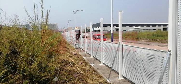 湖南張家界高速公路組合透明隔音屏