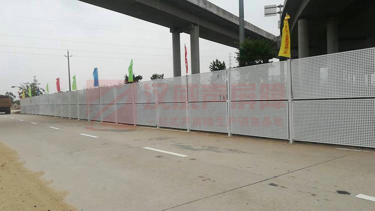 黑龍江七臺河橋梁頂部弧形隔音屏